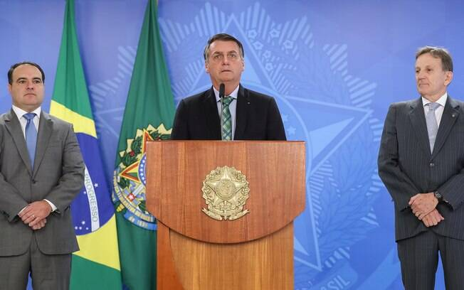 Floriano Peixoto (à direita), novo presidente dos Correios, falou em