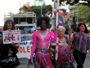 Cidades - Grande ato pelo fim da Homo - Lesbo -Transfobia passeata LGBT em Belo Horizonte MG,  pede o fim do preconceito e a criminalizacao da homofobia . Foto: Alex de Jesus/O Tempo 16/05/2015