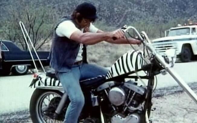 "Joe Namath e sua Harley-Davidson em ""C.C. & Company"""