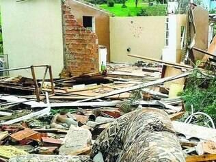 Estimativa é que pelo menos 3.000 casas tenham sido destruídas