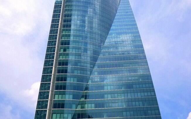Torrespacio, onde foi encontrada ameaça de bomba em Madri, é um dos maiores prédios da Espanha
