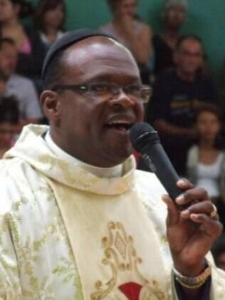 Padre Wilson Luís Ramos é o primeiro negro à frente da igreja matriz do município