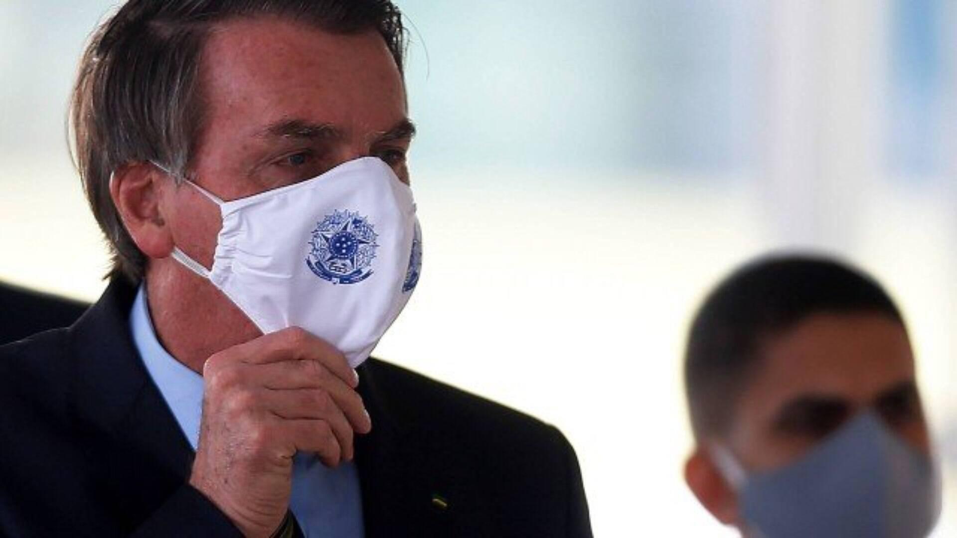 Bolsonaro faz piada sobre cloroquina: 'Esquerda toma... tubaína ...