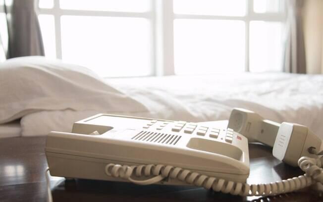 Telefone de hotel fora do gancho