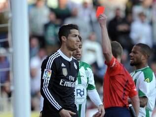 Cristiano Ronaldo recebeu o vermelho direto, aos 37 minutos da etapa final