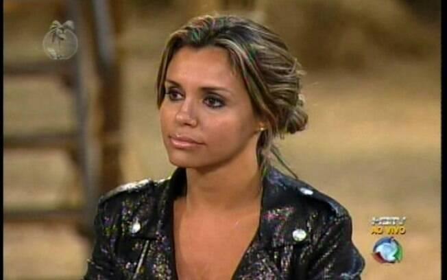 Renata Banhara deixa a disputa por R$2 milhões