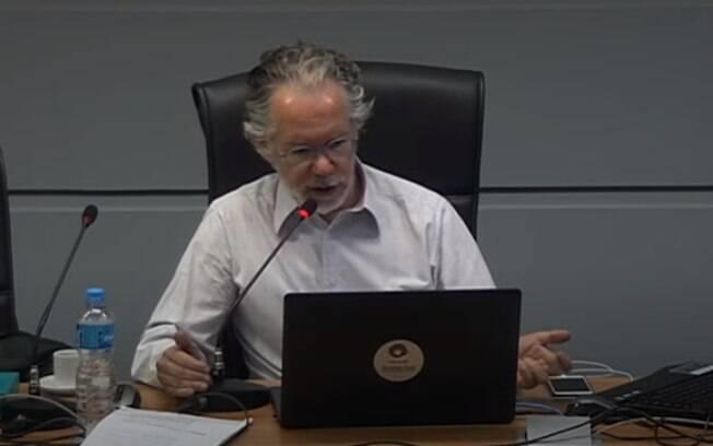 Reitor da Unicamp, Marcelo Knobel, anunciou nova suspensão das atividades presenciais.