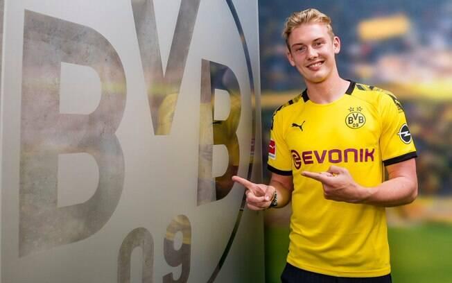 Julian Brandt foi contratado pelo Borussia Dortmund