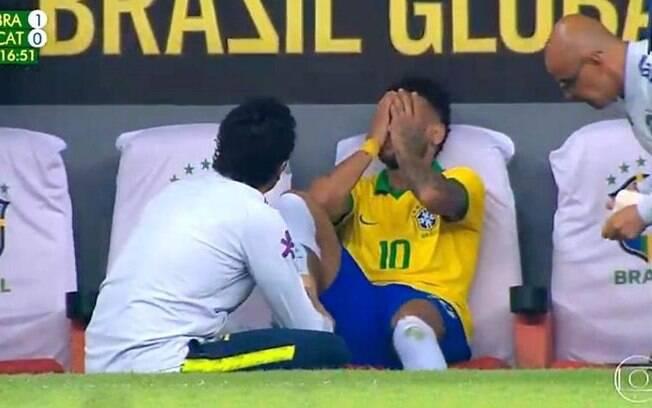 Neymar sente lesão