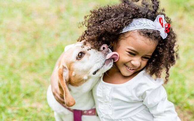 Pets e crianças: como os animais ajudam no desenvolvimento dos filhos