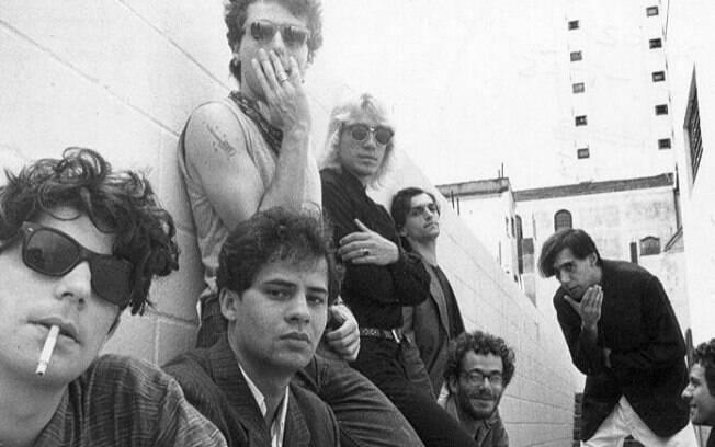 Formação da banda Titãs com Branco Mello, Sérgio Britto, Tony Bellotto, Arnaldo Antunes, Nando Reis e Paulo Miklos