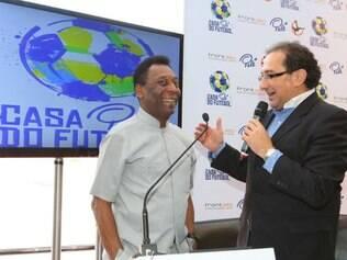 Pelé comparece no Morumbi para inauguração de espaço que leva seu nome