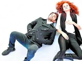 Leonardo Fernandes e Bruna Chiaradia vivem uma aproximação amorosa