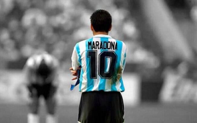 Em homenagem a Maradona, técnico do Olympique pede que Fifa exclua número 10 das competições