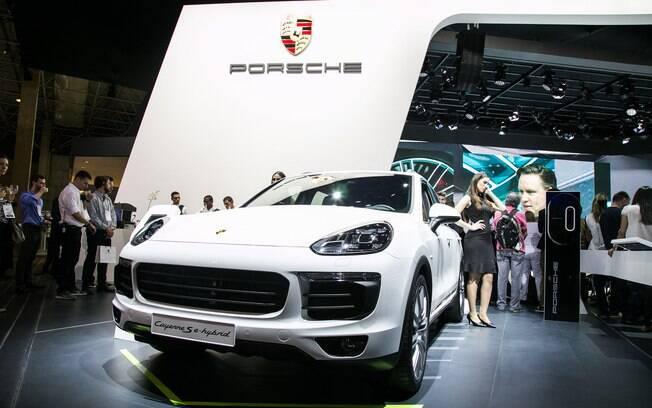 Porsche Cayenne Hybrid chega ao Brasil por R$ 432 mil com incentivos fiscais para modelos híbridos e elétricos