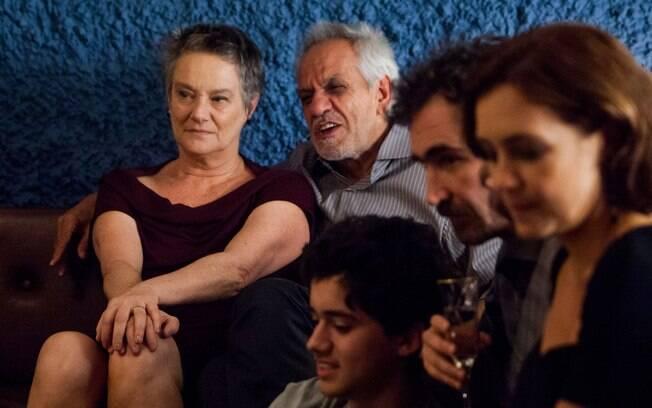 Casada há quase 50 anos com Dionísio (Perfeito Fortuna), Norma (Selma Egrei) se vê surpreendida na vida afetiva ao atrair atenção de um homem mais jovem . Foto: Divulgação/TV Globo