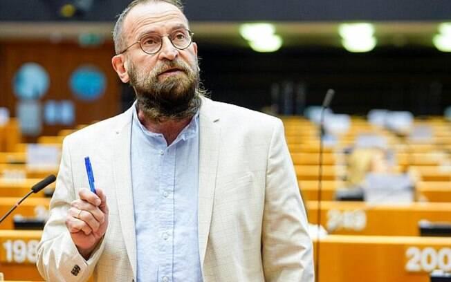 Szájer era crítico ferrenho da comunidade LGBT+ e pregava defesa da