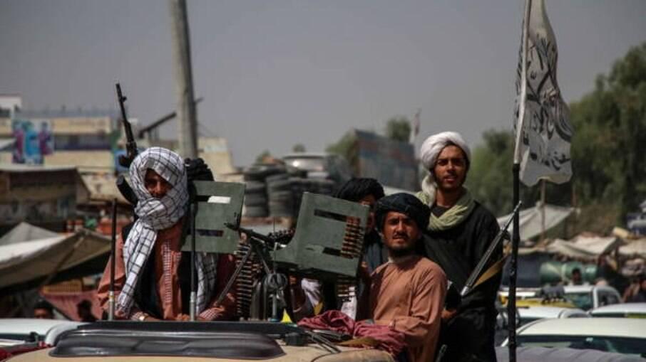 Al-Qaeda parabeniza Talibã por 'vitória' e incita apoiadores