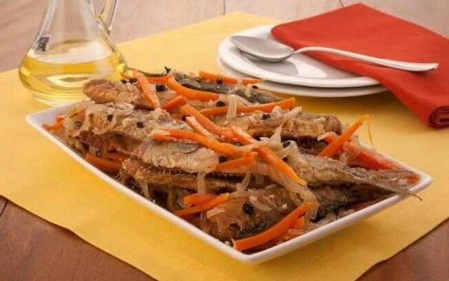 Molho escabeche de sardinha saboroso e prático
