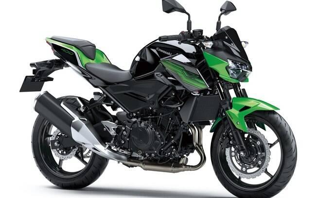 Kawasaki Z400 chega com novidades para aprimorar a dirigibilidade, o desempenho e a quantidade de equipamentos
