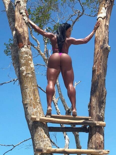 Gracyanne Barbosa surpreende seguidores com clique ousado do seu bumbum!