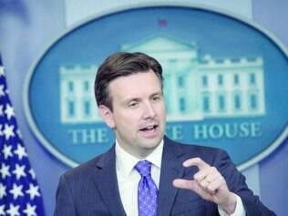 """'Welcome'.  """"Bem-vinda aos Estados Unidos e à Casa Branca"""", disse o porta-voz Josh Earnest ontem"""