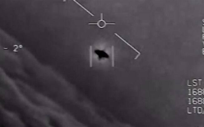 Vídeo liberado pelo Pentágono mostra objeto voador não identificado