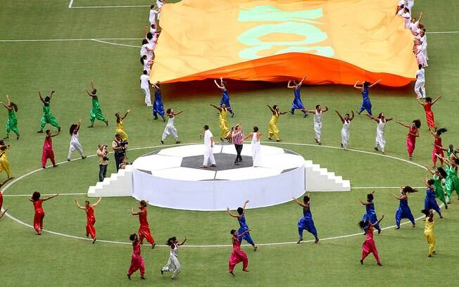 Claudia Leitte e Ivete Sangalo animaram a festa antes da partida
