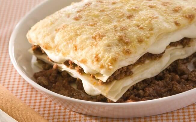 Prato com lasanha à bolonhesa
