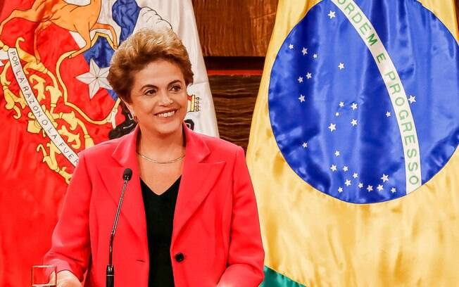 Presidente Dilma Rousseff durante evento com a presidente do Chile, Michelle Bachelet