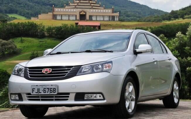 A Geely chegou em 2014, quando o governo já havia aumentado o IPI dos carros importados. Deixou o Brasil em 2016