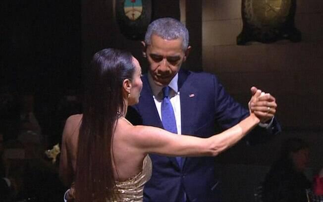 Barack Obama já se arriscou no tango em jantar com Macri em Buenos Aires, capital argentina