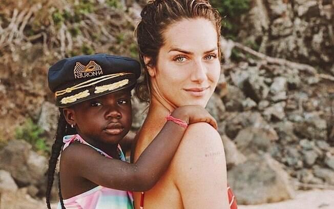 Giovanna Ewbank relembra saia-justa com Titi