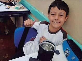 Saudade.Depois da morte da mãe, em 2010, Bernardo sofreu vivendo com o pai e a madrasta