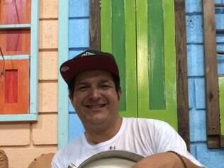 Rafael Leite é um dos que comanda o encontro de cuícas