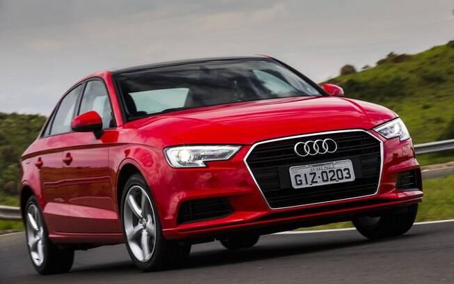 Audi A3 Sedan passa a ter frente mais parecida com a do irmão maior A4, de estilo mais arrojado