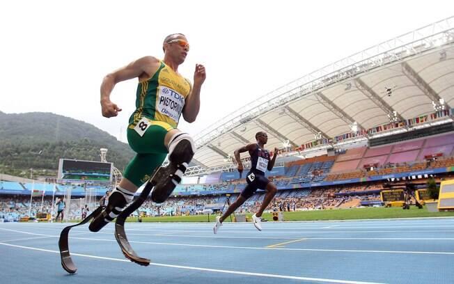 Oscar Pistorius competiu no Mundial de Daegu  2011. Foi a primeira vez que um atleta  paraolímpico disputou um mundial para atletas sem  deficiência