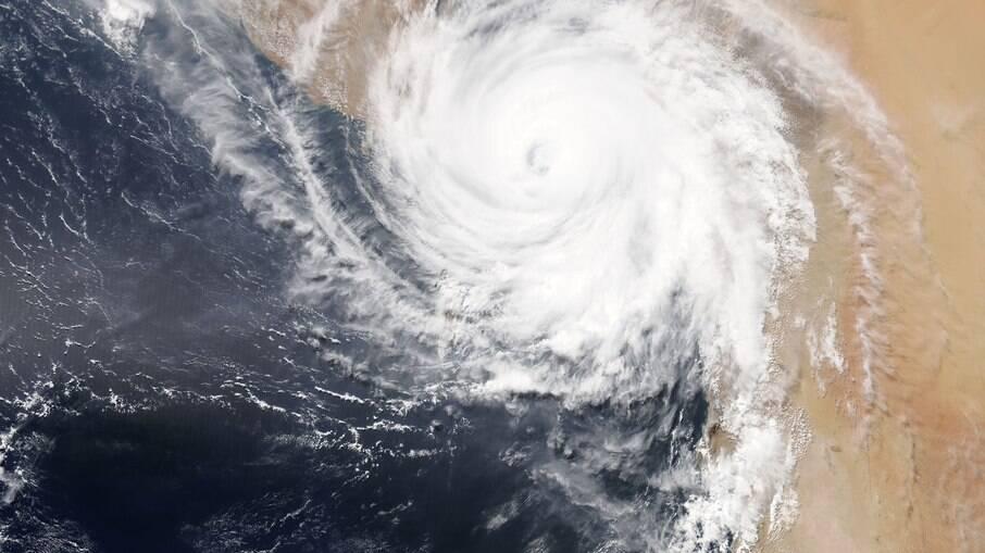 Tempestade tropical Sam se forma no Atlântico