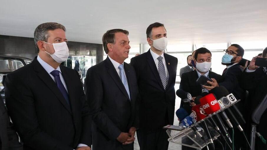 Bolsonaro deve se encontrar Lira, Pacheco e Fux para tratar de medidadas de combate à Covid-19