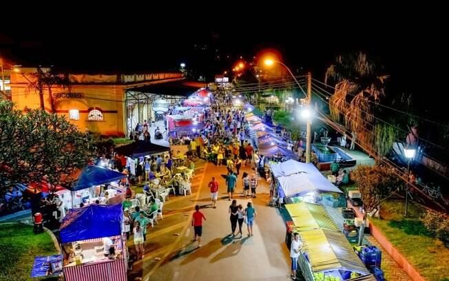 Além da feira noturna, que é um ótimo local para comprar lanches, o centro da cidade é ótimo para comprar roupas
