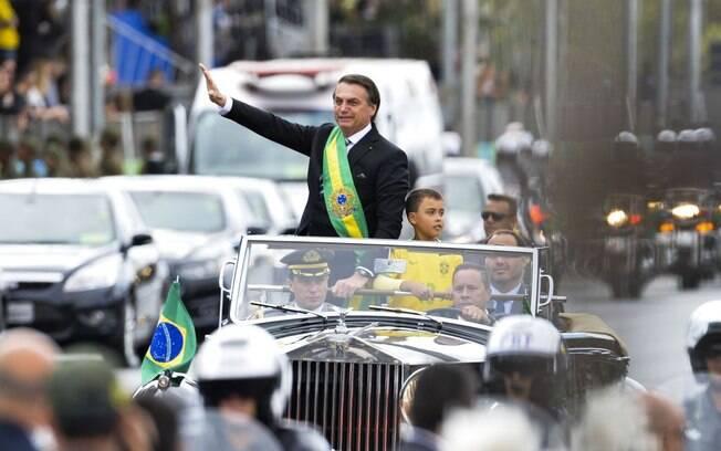 Bolsonaro participou do desfile de 7 de setembro antes de ser internado no hospital