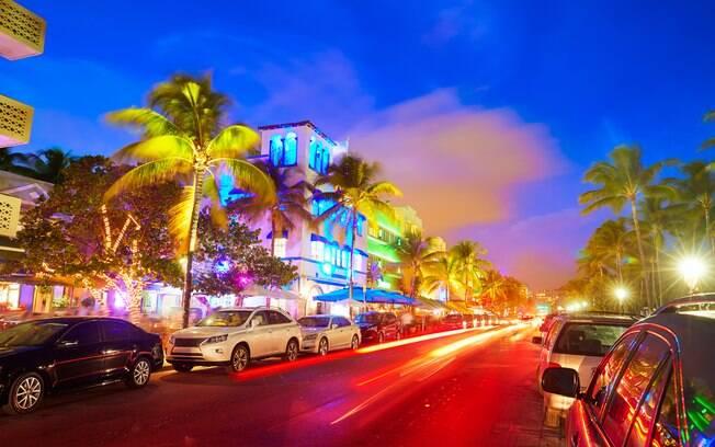 A Ocean Drive é a principal avenida de Miami, com diversas lojas para visitar, e também dá muito o que fazer em Miami