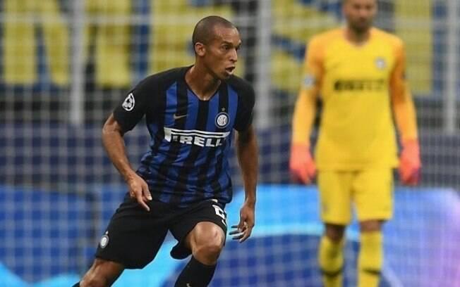 O zagueiro Miranda renovou com a Inter de Milão até 2020