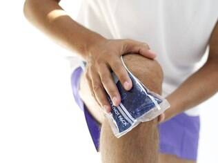 Dor e lesões: joelho é a área mais afetada e a prevenção mais eficaz é cautela na corrida