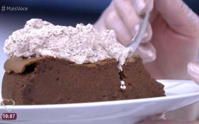 Ana Maria Braga ensinou como fazer torta cremosa de chocolate no Dia Mundial do Chocolate (7)