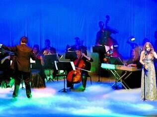 """Música. Orquestra e Coral abriram a premiação cantando """"Planeta Água"""", de Guilherme Arantes"""