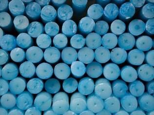 Velas azuis para formar o círculo perfeito