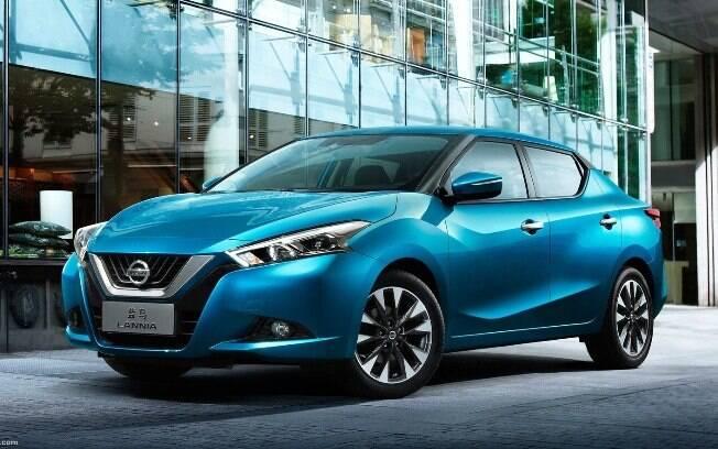 A nova geração do Nissan Versa terá linhas parecidas com as do Lannia vendido na China. Frente lembra a do SUV Kicks