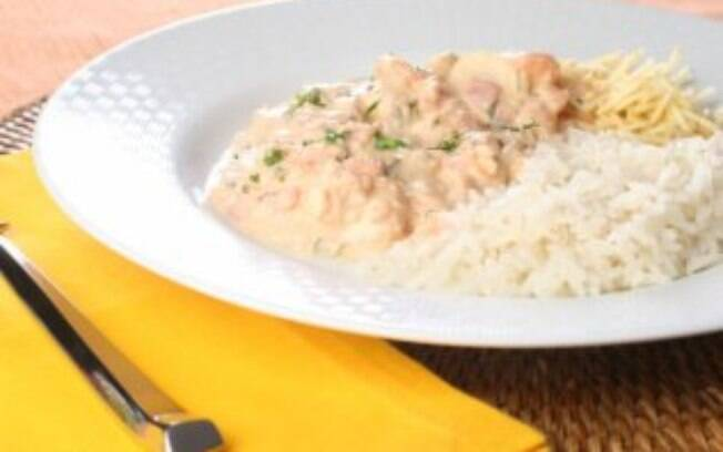 Foto da receita Estrogonofe de camarão pronta.