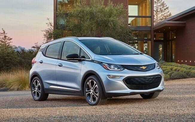 Chevrolet Bolt EV chega no mercado automotivo ainda no começo do ano, para disputar com Leaf e Zoe